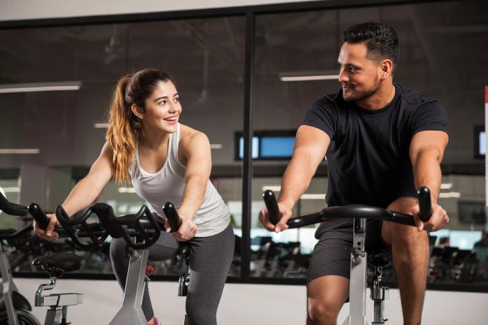 How NOT to Hit On Women at the Gym (And what REALLY works)