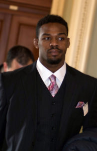 Credit where it's due: Jon Jones supporting brain health at U.S. Capitol. By Senate Democrats (Flickr: Supporting Brain Health Study) [CC BY 2.0], via Wikimedia Commons