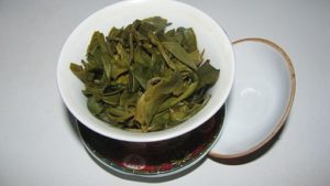Green tea supplies L-Theanine, but how much is anybody's guess. Straight L-Theanine supplements are superior nootropics. By Dark NirK (Own work) [CC BY-SA 3.0], via Wikimedia Commons