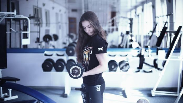 the best pre-workout supplements for women can help to intensify gym training sessions
