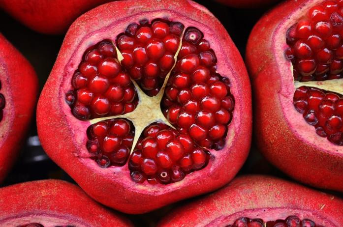 Organic pomegranate extract